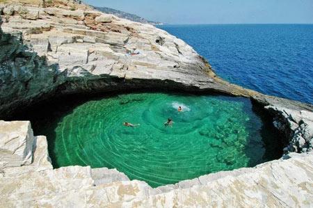 شنا کردن, عجیب ترین مکانها برای شنا کردن,جیولا