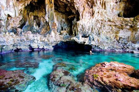 شنا کردن, عجیب ترین مکانها برای شنا کردن,غار آوایکی