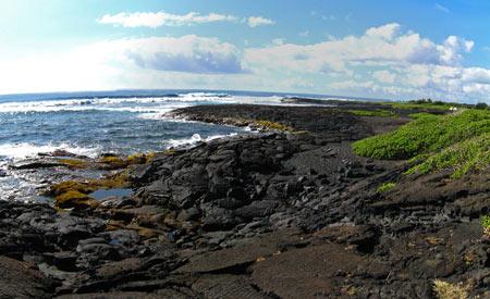 پونالو ساحل شن های سیاه,عجایب گردشگری,ساحل سیاهرنگ پونالو